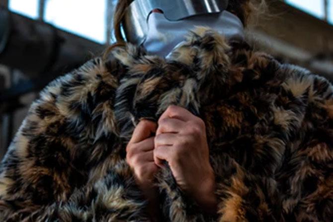 fremhævede billede 6 vinterfrakker enhver kvinde skal prøve Leopardfrakke med bælte - 6 vinterfrakker enhver kvinde skal prøve
