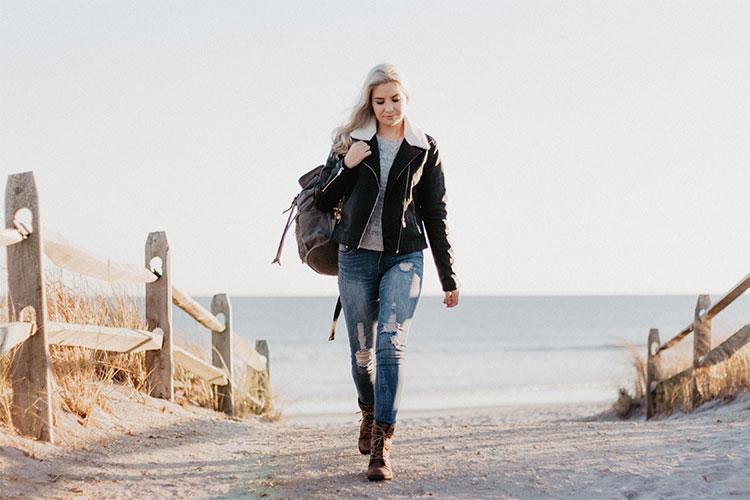 fremhævede billede Forårsommer 2020 Fashion Week de 6 største trends Ekstralange fake fur læderjakker - Forår/sommer 2020 Fashion Week - de 6 største trends