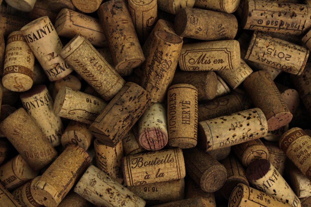 john murzaku zebTTTLLsoo unsplash 1024x683 - Opbevaring af vin